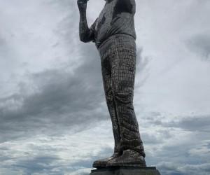 Inauguração estátua Padre Léo