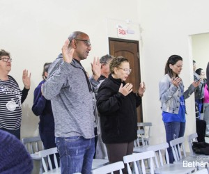 Consagrados participam de retiro de aprofundamento de dons