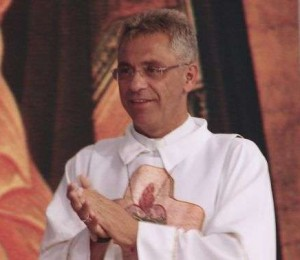 60 anos: Padre Léo Oliveira Perene