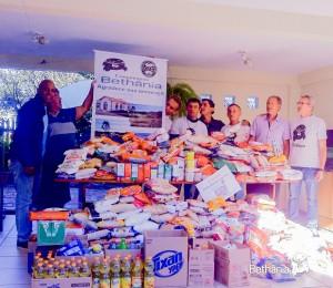 Ação solidária em prol da comunidade Bethânia na rede de supermercados Ivasko.