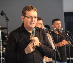 Pregador católico, Ironi Spuldaro, estará na Comunidade Bethânia, em São João Batista