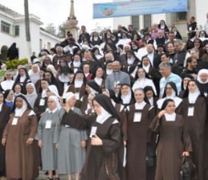 Religiosos chegam a Roma para concluir Ano da Vida Consagrada