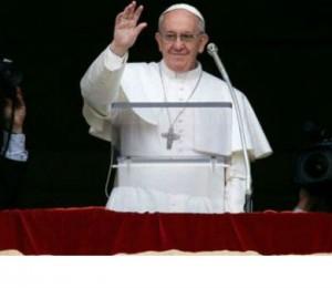 Quem se nutre do Pão não pode ficar indiferente, diz Papa
