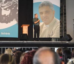 Comunidade Bethânia reúne milhares de pessoas na Canção Nova