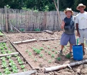 Nosso Recanto Irati-PR demonstrando todo o seu cuidado com a horta.