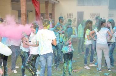 Alegria colorida contagia Kairós Jovens Sarados, em Guarapuava