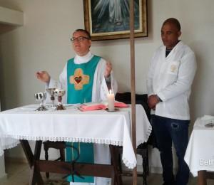Padre Lucio realiza visita ao Recanto Irati-PR