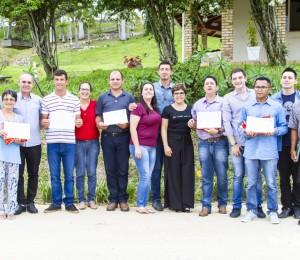 Filhos de Bethânia concluem cursos de Panificação e Jardinagem