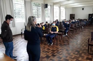 Missão da Comunidade Bethânia é apresentada aos estudantes do Colégio Arquidiocesano de Curitiba (PR)